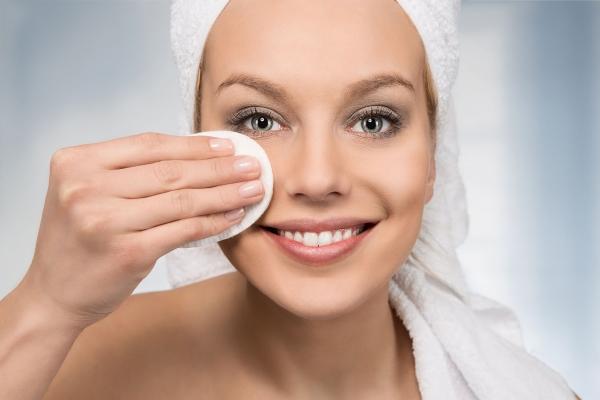 Az arcápolás új dimenziója a micellás tisztító. De mi az a micella?