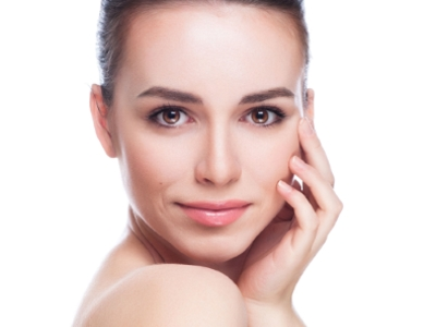 Miért van szükség bőrünk rendszeres hámlasztására?