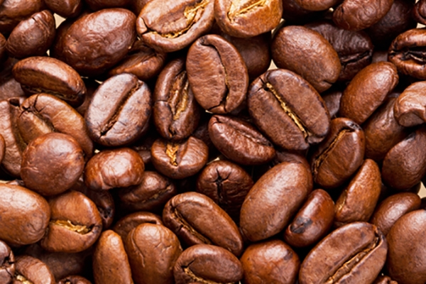 A koffein és a gyógynövények erejével a haj vitalitásáért